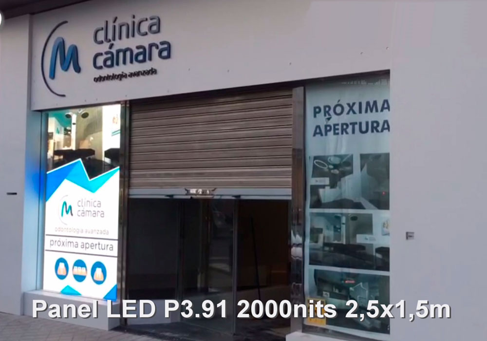 Panel LED 2,5x1,5m vertical P3.91 2000nits
